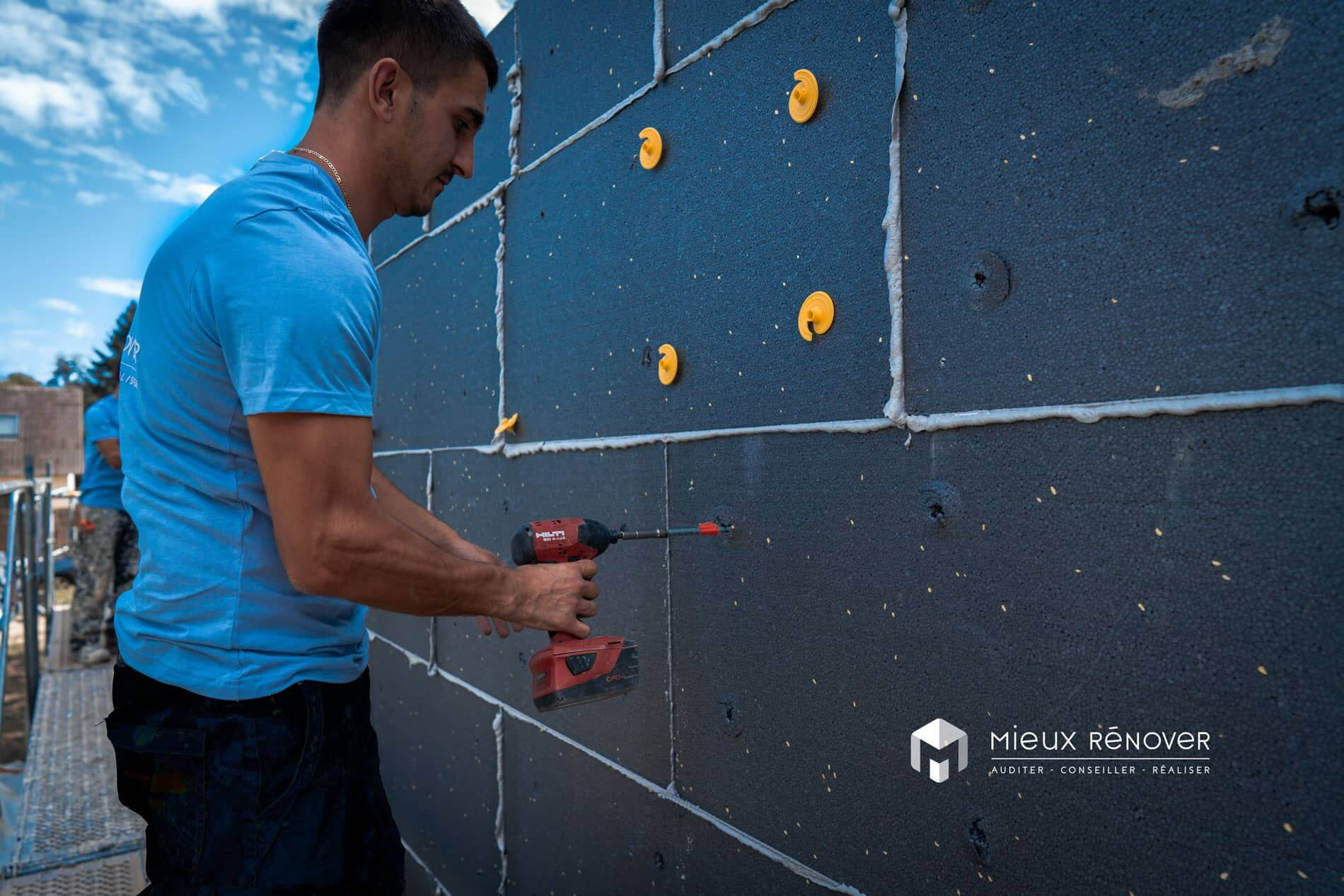 travaux d'isolation des murs extérieurs de maison